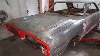 O Dodge Charger quando chegou na oficina